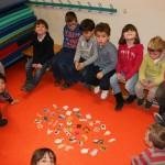 Mise en forme des sacs à mots avec les élèves de GS